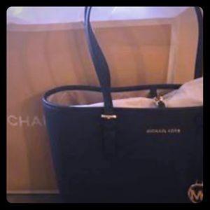 Michael Kors Jet Set Travel medium Tote Leather